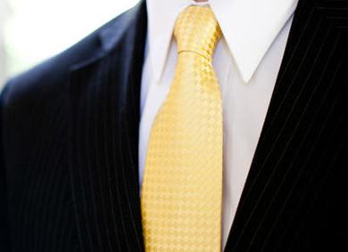 color de la corbata portada