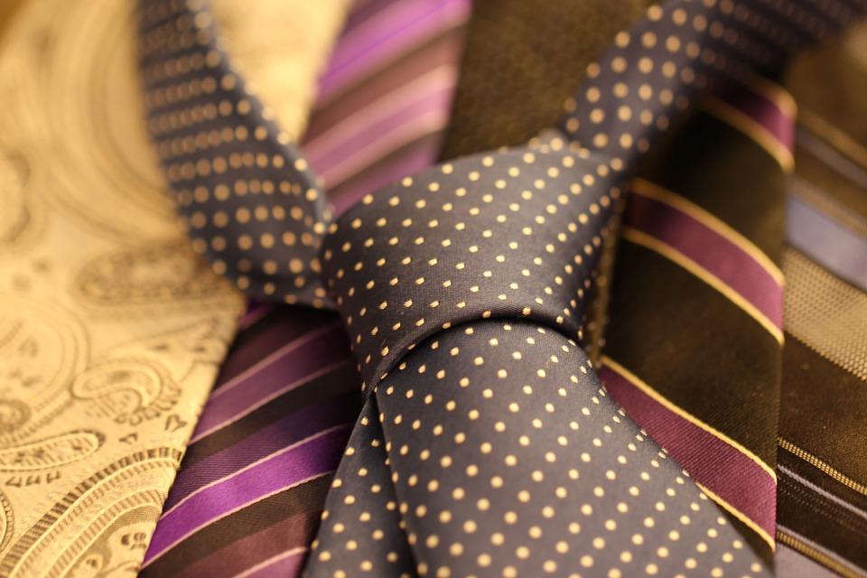 Cómo reconocer una corbata de buena calidad