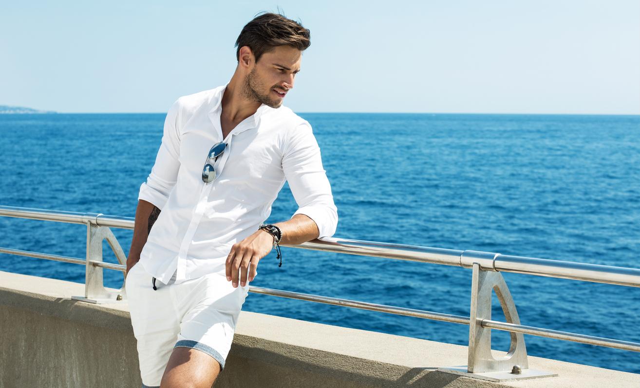 Consejos para evitar manchas de sudor en tus camisas